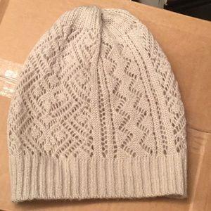 Light beanie hat
